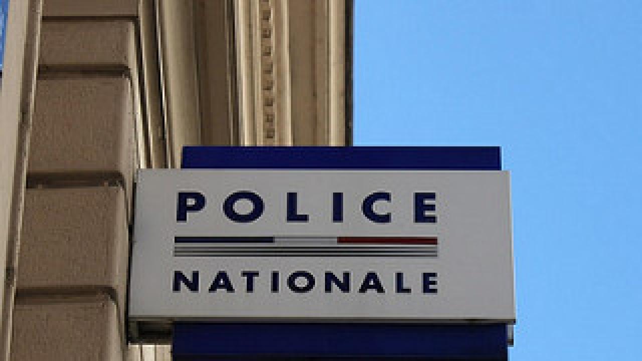 Lyon : Un homme tentant de voler une dame, il se fait stopper par des agents immobiliers.