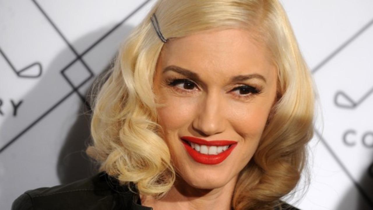 Gwen Stefani : Métamorphosée, ses fans sont choqués ! (PHOTOS)