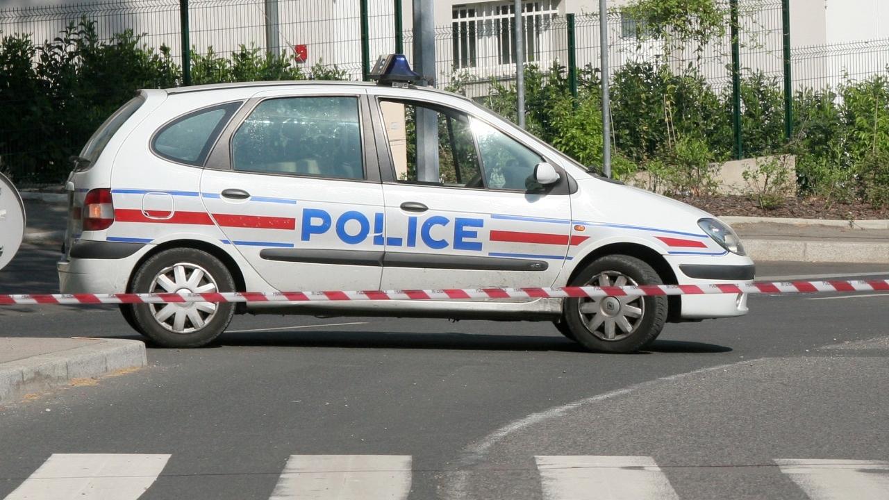 Trois collégiens balancent une bombe artisanale dans leur établissement — Rhône