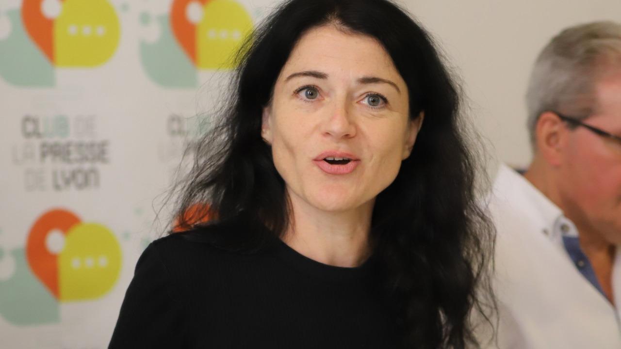 Municipales : Nathalie Perrin-Gilbert promet la gratuité des TCL et de l'école à Lyon