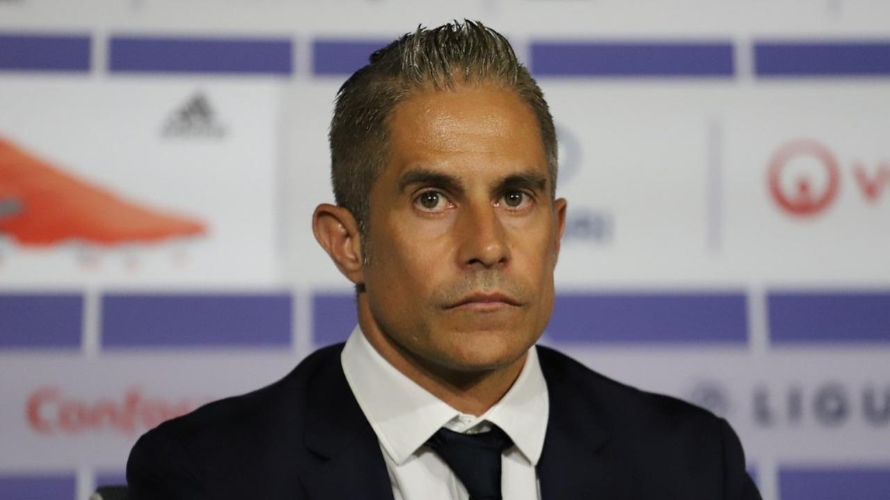 Sylvinho n'est plus l'entraîneur de l'OL !