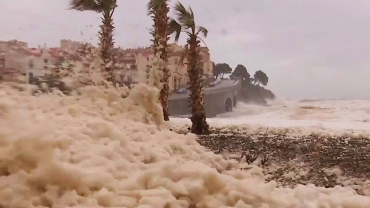 La mousse de la tempête Gloria : on vous explique le phénomène !