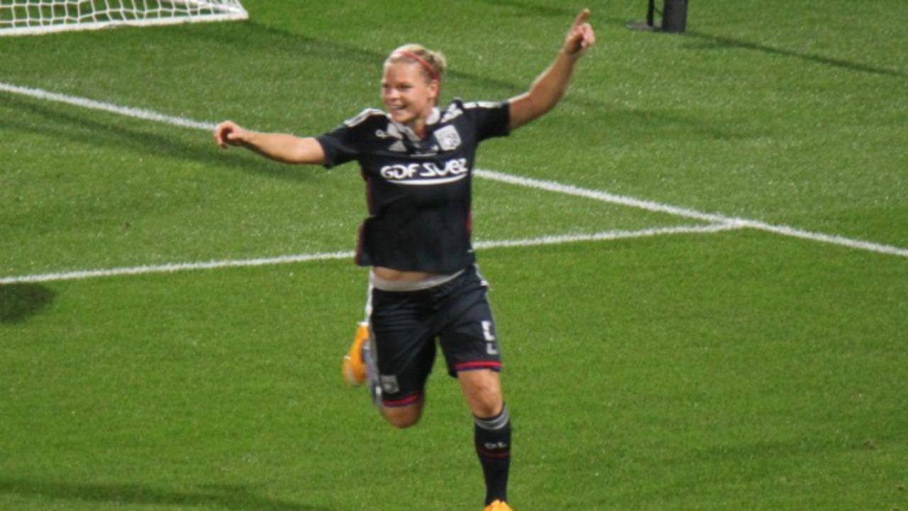 Eugénie Le Sommer (OL) devient la meilleure buteuse de l'équipe de France