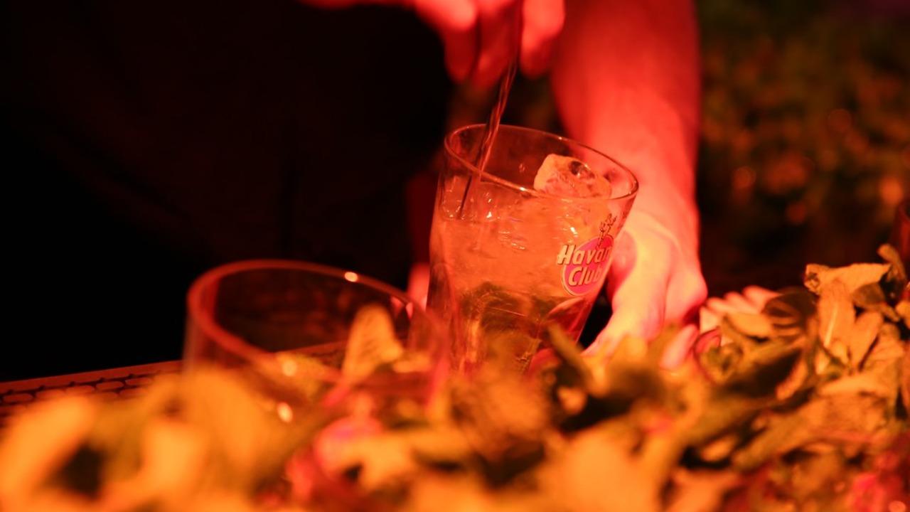 Covid-19 : fermeture au plus tard à 22h dès ce lundi pour les bars de la Métropole de Lyon