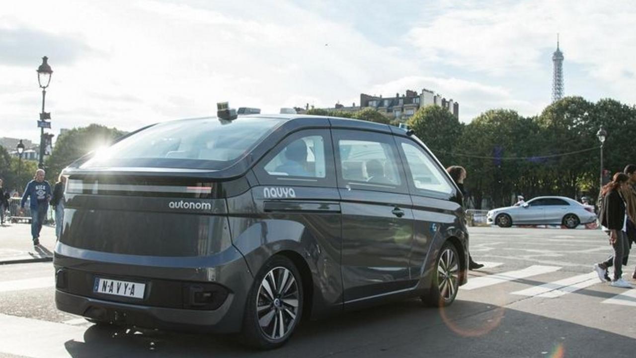 Les Lyonnais de Navya lancent le robot taxi autonome