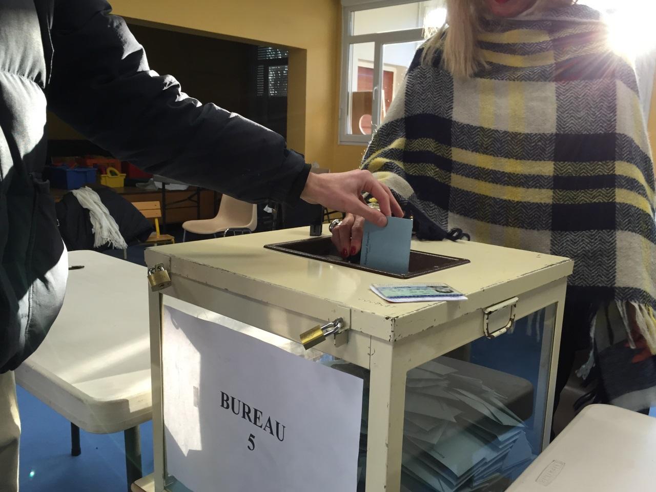 l gislatives les horaires des bureaux de vote du rh ne. Black Bedroom Furniture Sets. Home Design Ideas