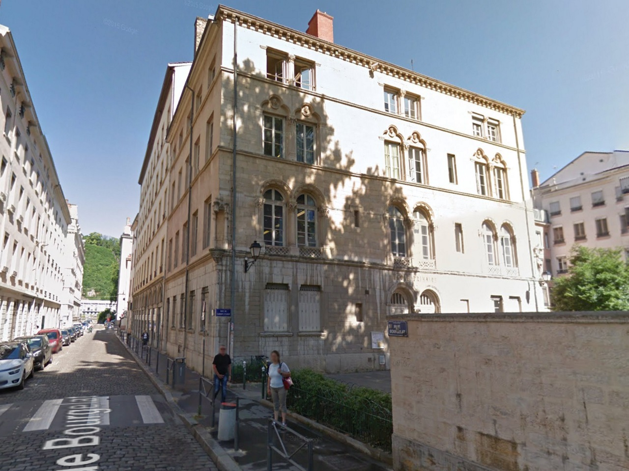Mise aux enchères d'une ancienne école primaire de Lyon