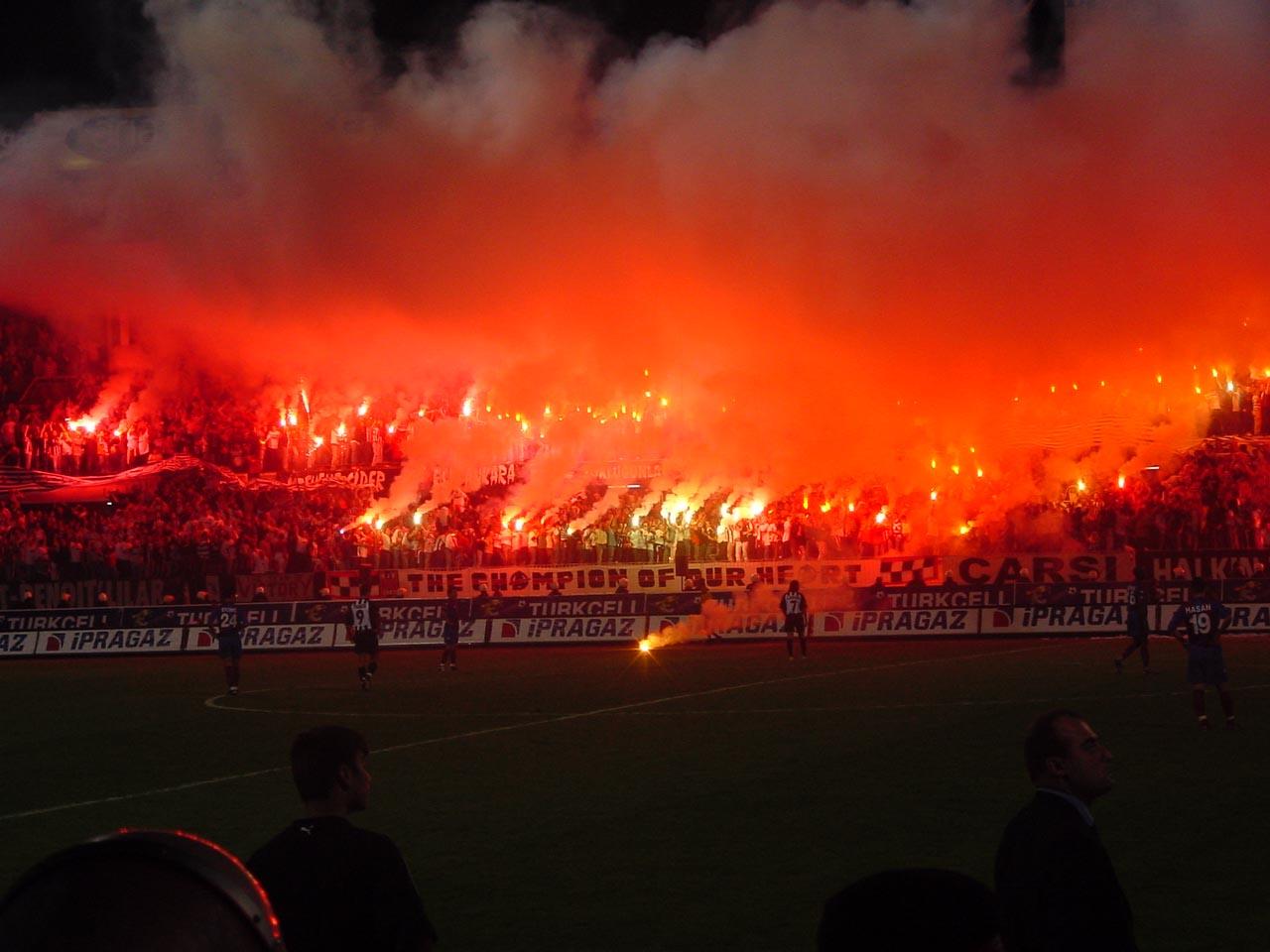 Ligue Europa : 15 000 supporters turcs du Besiktas au Parc OL