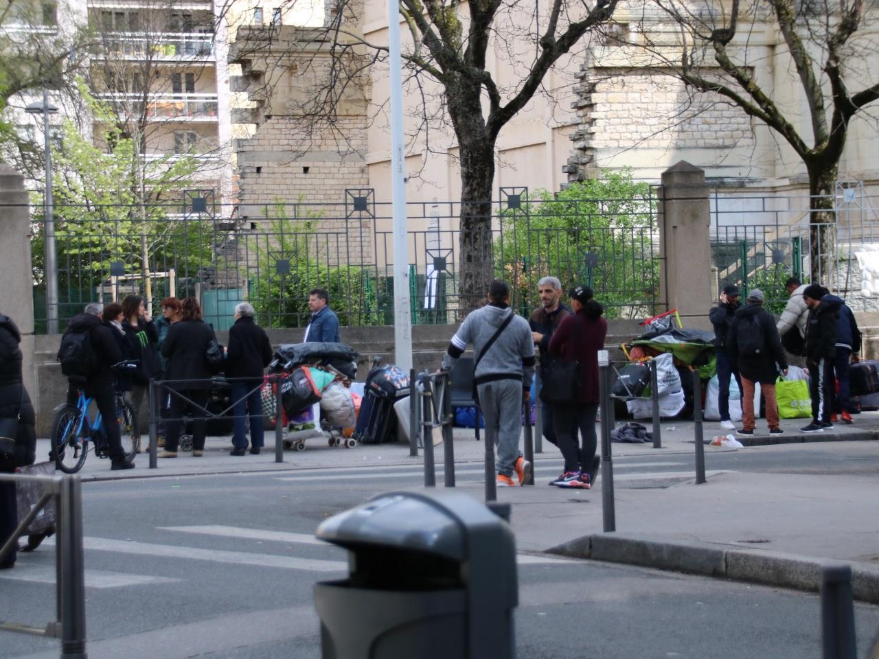 Lyon : les Albanais délogés de leur campement envahissent la mairie du 3e
