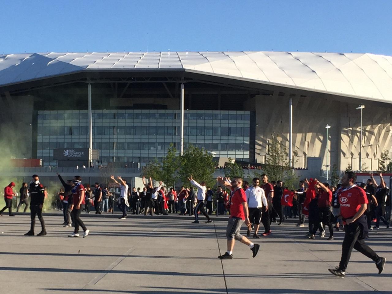 Besiktas rejette toute responsabilité, accuse Lyon — Europa League