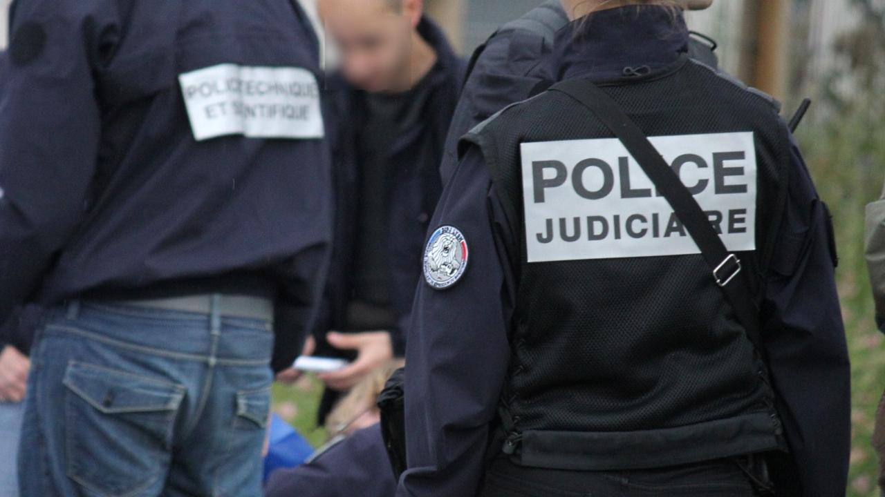 Marseille : un véhicule fonce sur deux abribus, un piéton décédé