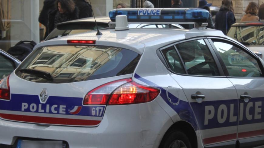 Elle vole la voiture d'un policier avec son petit ami