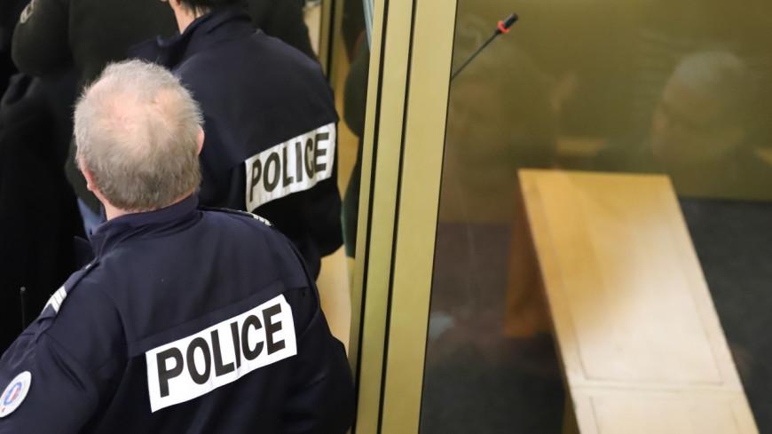 Lyon : Un homme frappe sa femme dû à son joint trop corsé !
