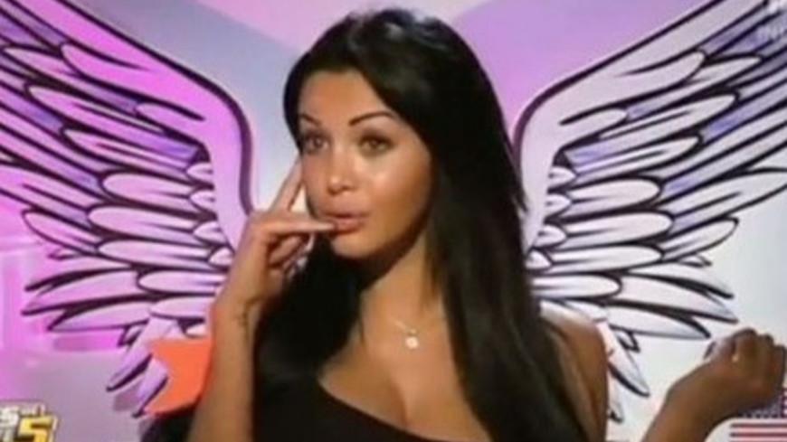 Nabilla : Est-elle vraiment enceinte ?