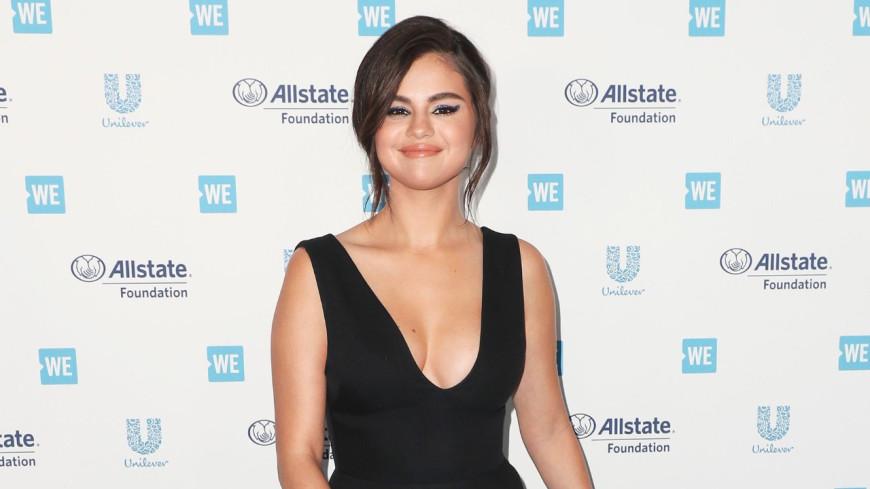 Selena Gomez : Étincelante pour son retour sur tapis rouge