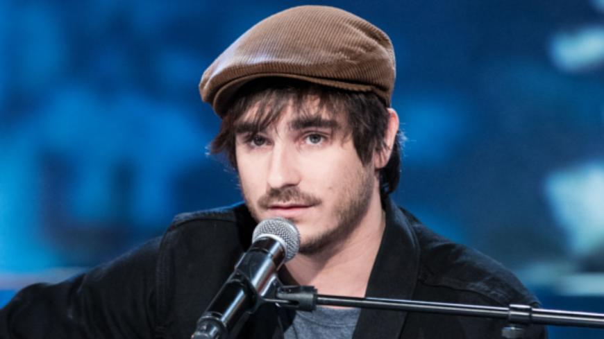 Le chanteur Gauvain Sers dédie une chanson à Samuel Paty