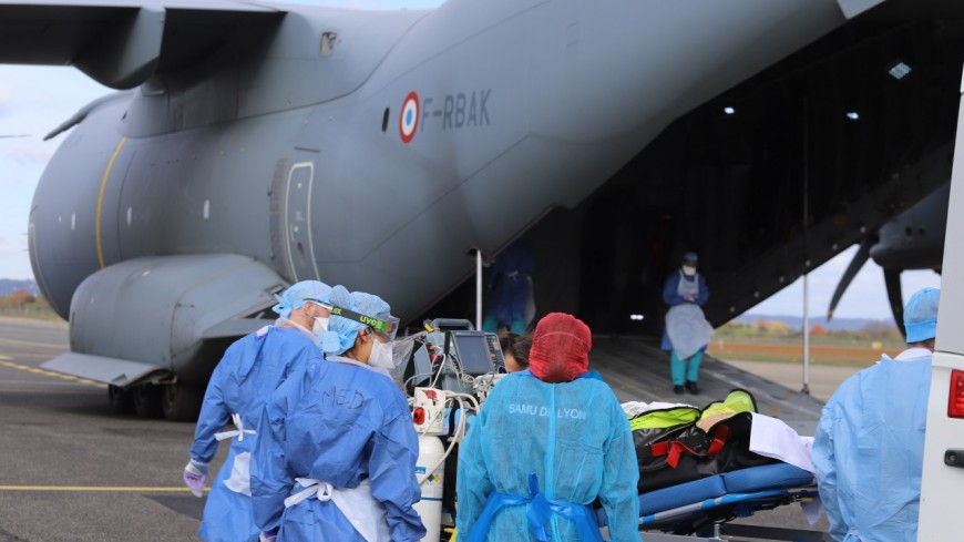 Lyon : des patients atteints du Covid-19 évacués vers Nantes par un A400M de l'armée