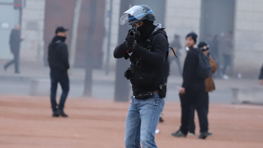 Blessée lors d'une manifestation de Gilets Jaunes à Lyon : l'usage du LBD étudié par la justice