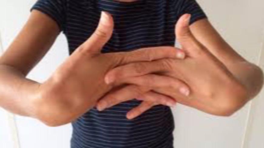 Vrai ou faux : faire craquer ses doigts est-il dangereux ?