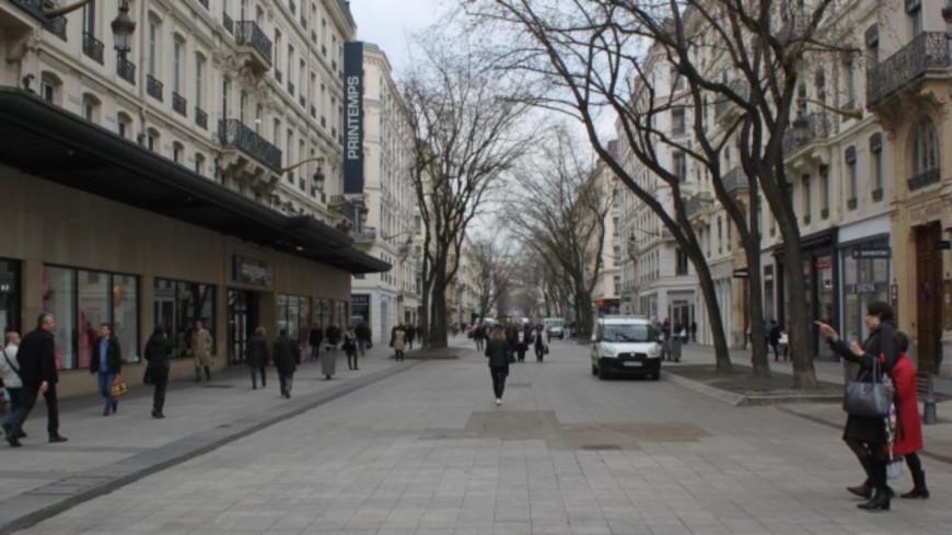 Covid-19 : vers une réouverture des commerces samedi prochain à Lyon ?