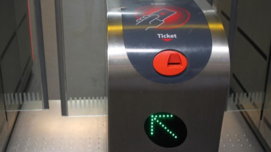 Lyon : des agents TCL agressés par un usager du métro la nuit de Noël