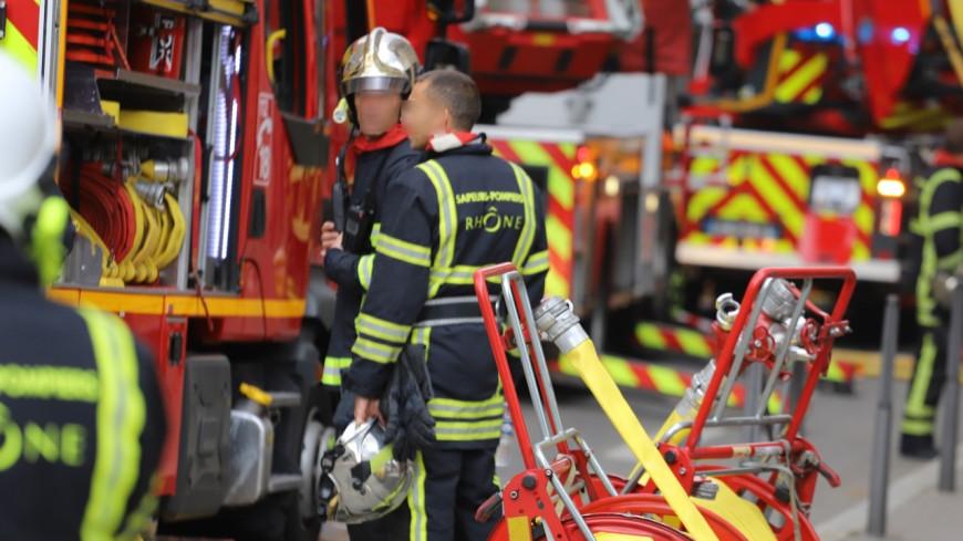Villeurbanne : une soixantaine de personnes évacuées d'un immeuble après un feu de voiture