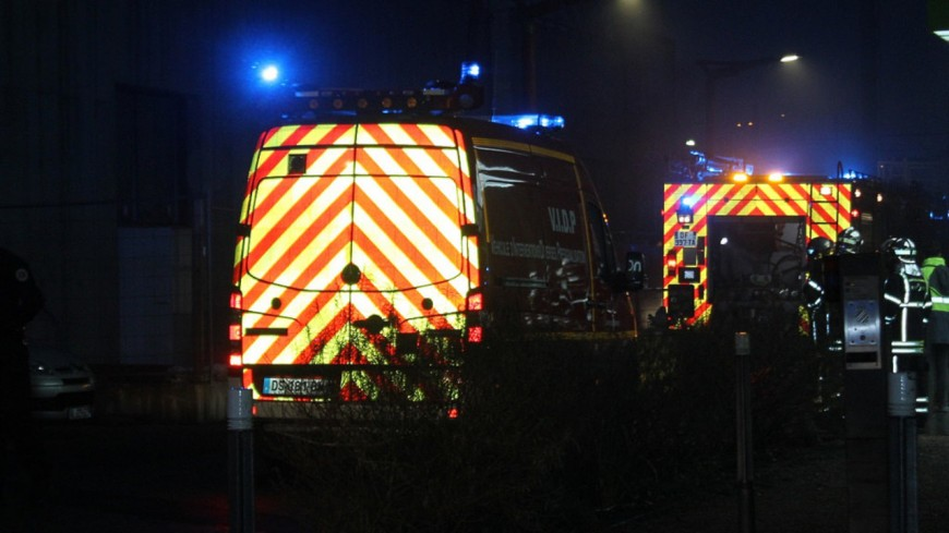 Près de Lyon : un incendie détruit 7 camions sur le parking d'une entreprise