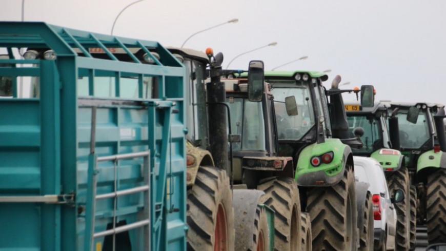 Manifestation des agriculteurs ce lundi contre les repas sans viande dans les cantines de Lyon