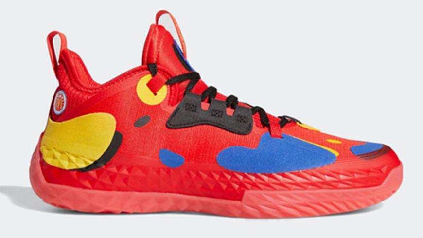 Une nouvelle paire de baskets Adidas à l'effigie de McDonald's (photos)