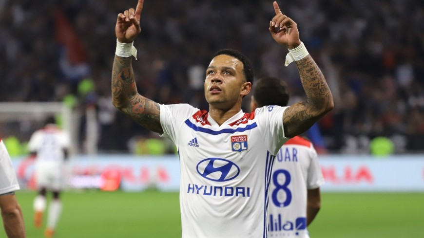 L'OL s'impose à Nantes et ne lâche pas le trio de tête (1-2)