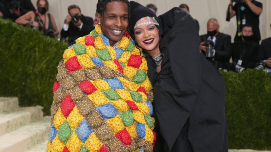 Rihanna et ASAP Rocky moqués pour leurs tenues au MET Gala 2021 (photos)