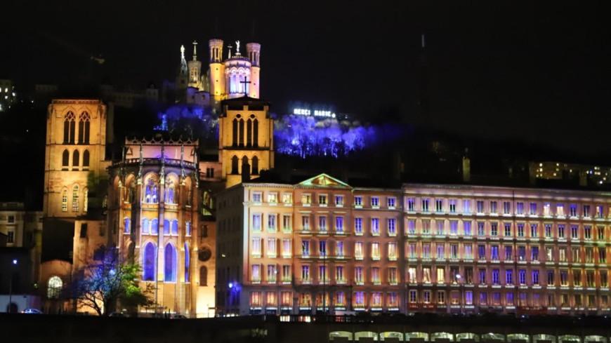 """Le maire de Lyon promet une Fête des Lumière """"grandiose"""" cette année"""