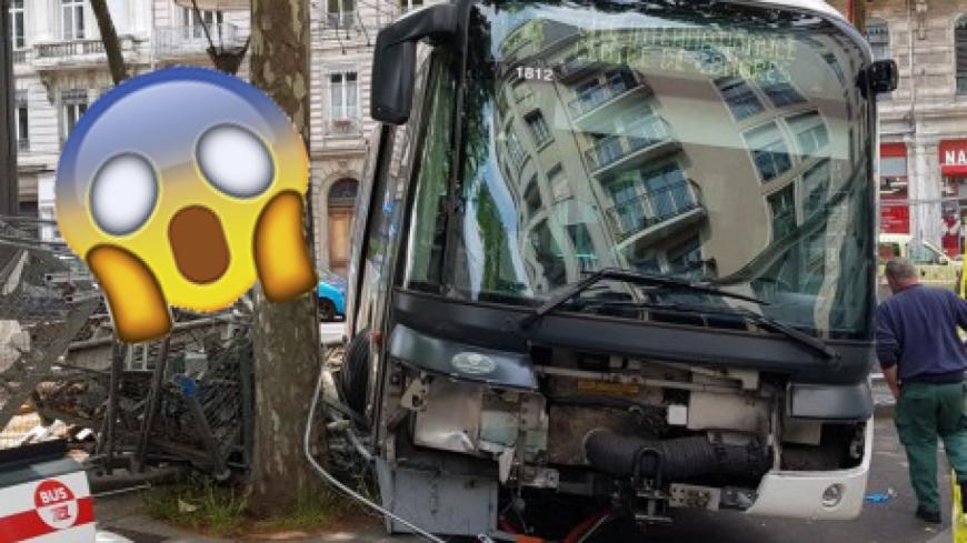 Lyon : accident spectaculaire d'un bus TCL