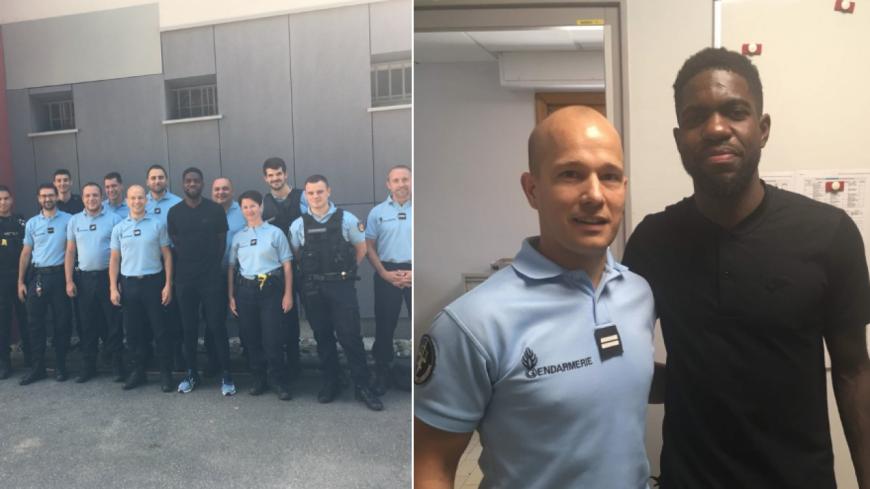 Samuel Umtiti en visite chez les gendarmes à Fontaines-sur-Saône
