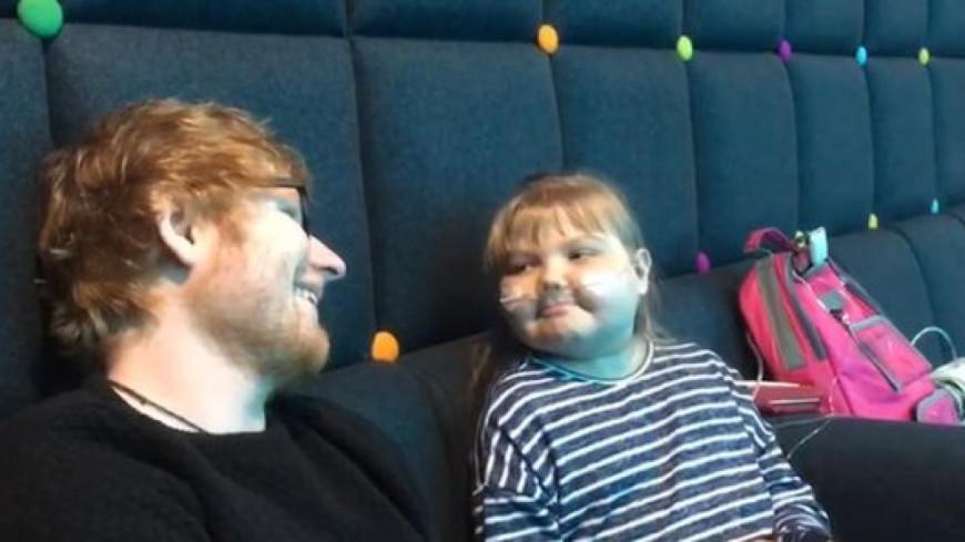 Ed Sheeran offre sa guitare à une jeune fan malade !