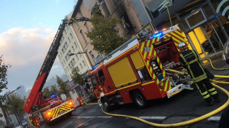 Lyon : un important incendie rue Marietton ce vendredi matin