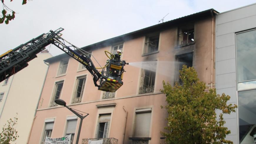 Incendie de la rue Marietton : l'immeuble a été détruit, la rue encore fermée une semaine ?
