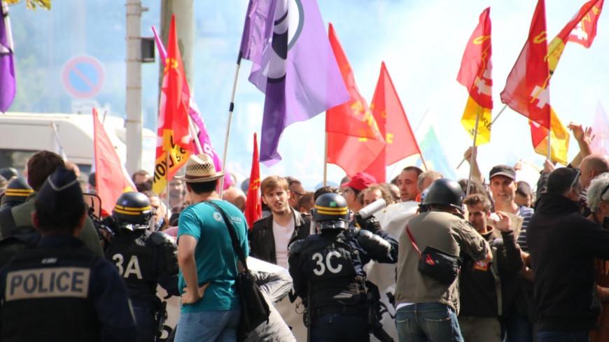 Entre 5 et 10 000 personnes dans les rues de Lyon contre la réforme du code du travail et des heurts
