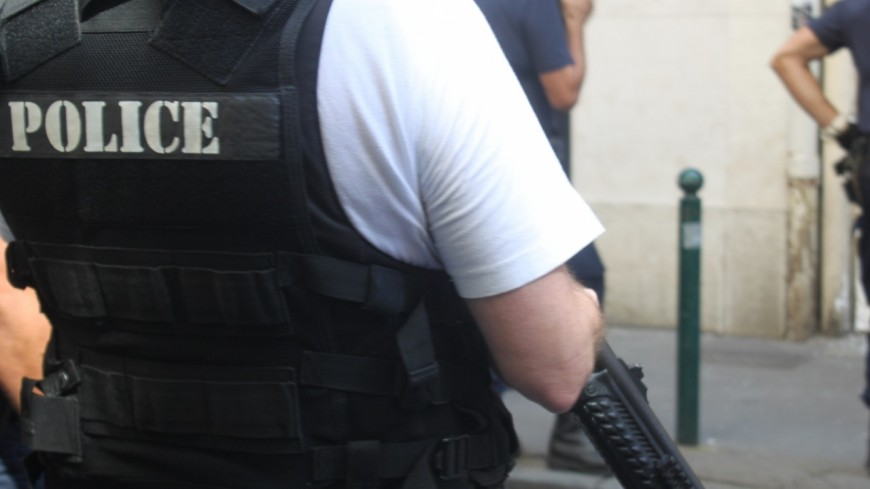 Saint-Priest : il menace de faire exploser son appartement après s'être retranché chez lui avec un couteau
