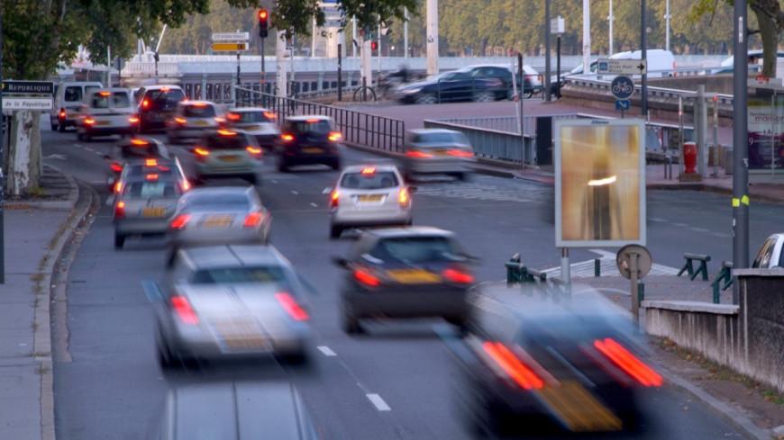 Lyon interdira les utilitaires et les camions les plus polluants d'ici 2020