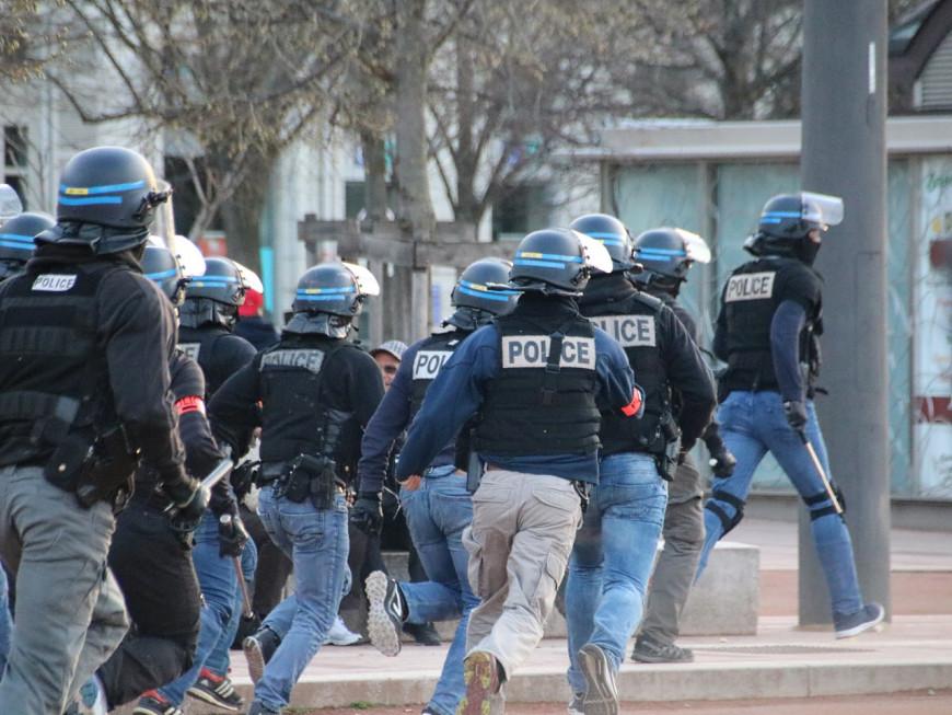 OL : une cinquantaine de supporters lyonnais tentent d'attaquer les joueurs après le derby