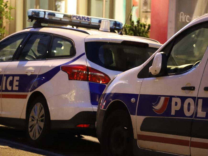 Vénissieux: un homme violente sa femme et vole dans leur immeuble
