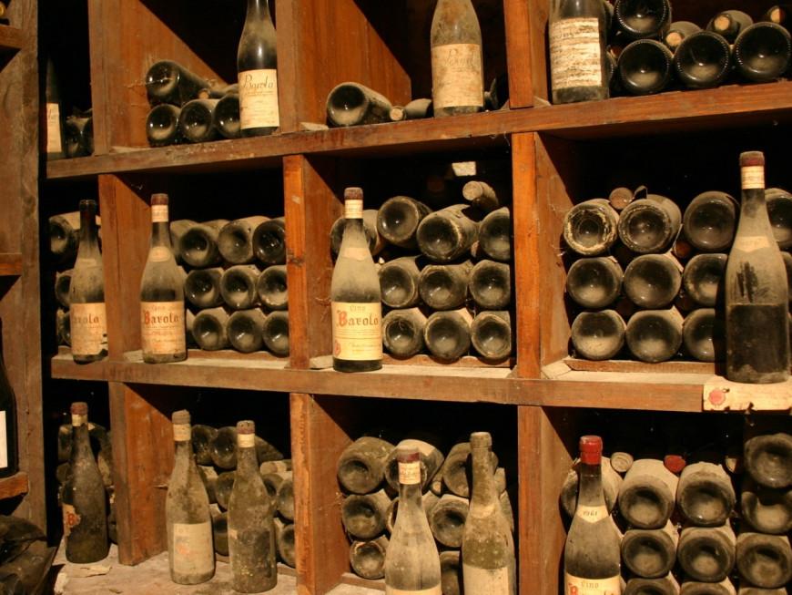 lyon les voleurs de caves allaient repartir avec un stock de 300 bouteilles de vin prestigieux. Black Bedroom Furniture Sets. Home Design Ideas