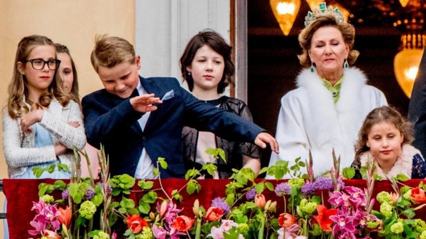 Le prince de Norvège fait un dab pendant la cérémonie